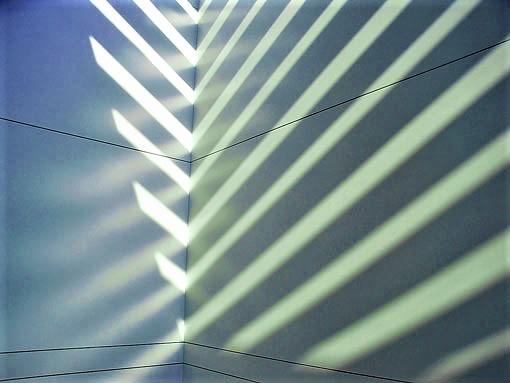 自然光が作る神秘的図形