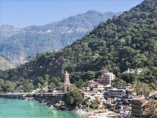 インド北部・ガンガ/ガンジス河上流のリシュケッシ